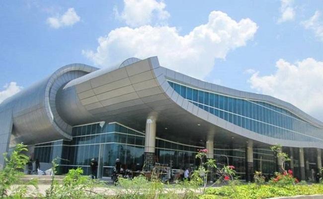 Bandara-Komodo